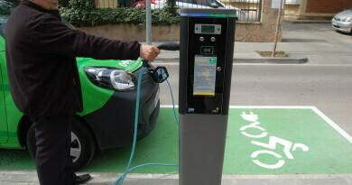 Manresa conta amb un punt de recàrrega públic i gratuït per a vehicles elèctrics